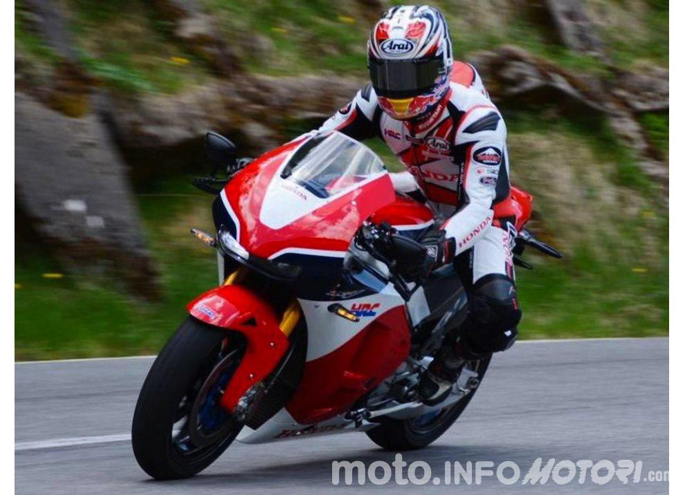 Casey Stoner al Circuit de Catalunya con la Honda RC213V-S