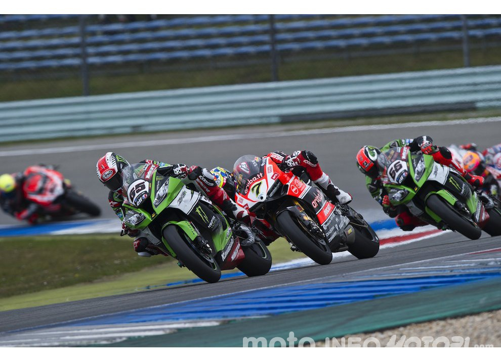 Classifica SBK, Portimao 2015: quarta doppietta per Johnny Rea - Foto 5 di 8