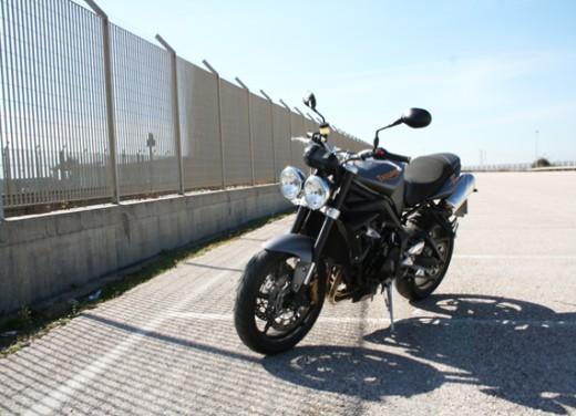 Ducati Monster 1100 vs Triumph Street Triple R - Foto 8 di 27