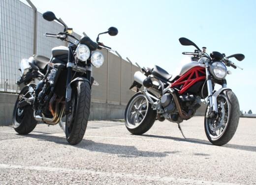 Ducati Monster 1100 vs Triumph Street Triple R - Foto 4 di 27
