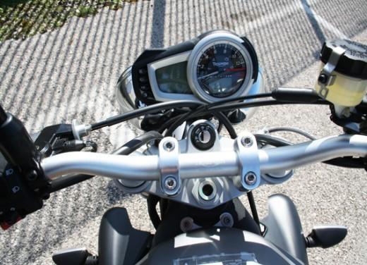 Ducati Monster 1100 vs Triumph Street Triple R - Foto 14 di 27