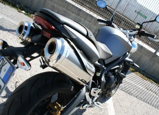 Ducati Monster 1100 vs Triumph Street Triple R - Foto 18 di 27