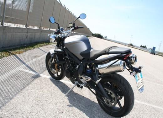 Ducati Monster 1100 vs Triumph Street Triple R - Foto 19 di 27