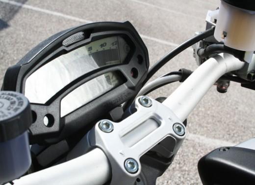 Ducati Monster 1100 vs Triumph Street Triple R - Foto 24 di 27