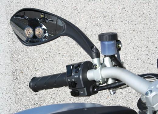 Ducati Monster 1100 vs Triumph Street Triple R - Foto 26 di 27