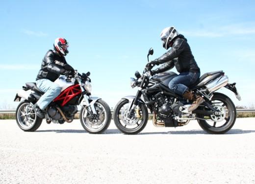 Ducati Monster 1100 vs Triumph Street Triple R - Foto 6 di 27