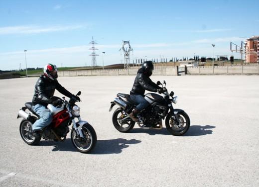 Ducati Monster 1100 vs Triumph Street Triple R - Foto 7 di 27