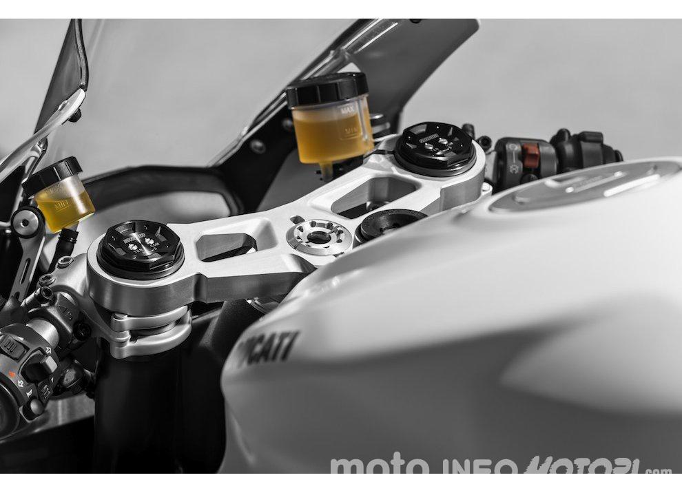 Concorso Aruba.it per vincere una Ducati 899 Panigale - Foto 7 di 11