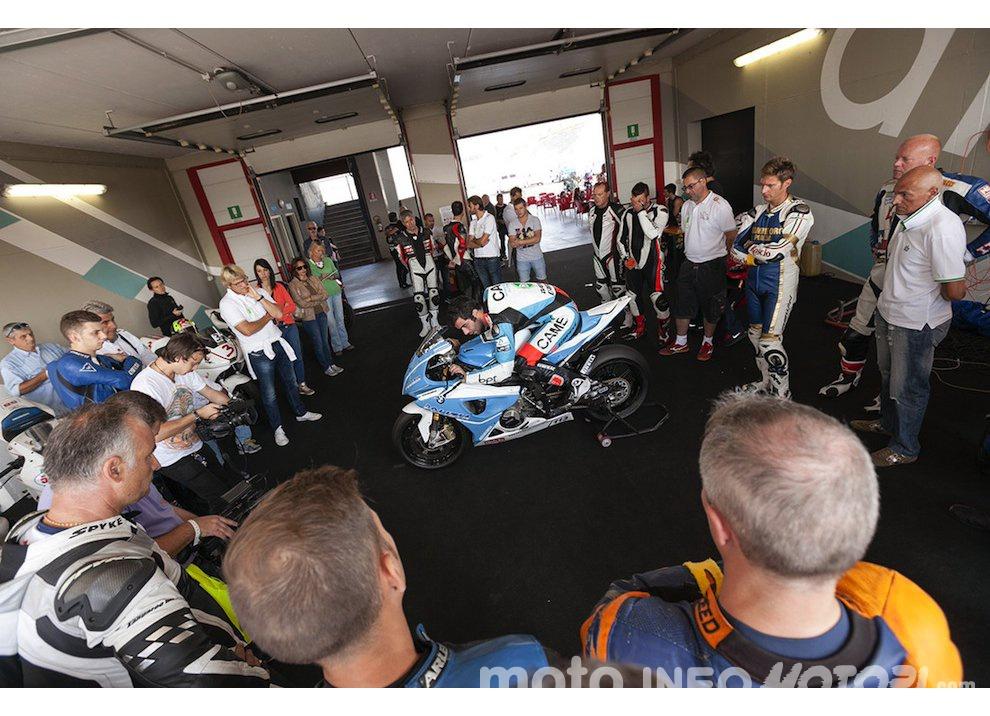 Corsi di guida coi grandi del motociclismo con corsidiguida.it e Motorace - Foto 9 di 12