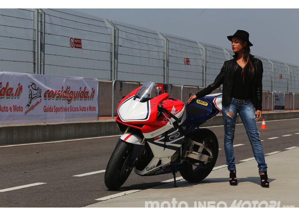 Corsi di guida coi grandi del motociclismo con corsidiguida.it e Motorace - Foto 2 di 12