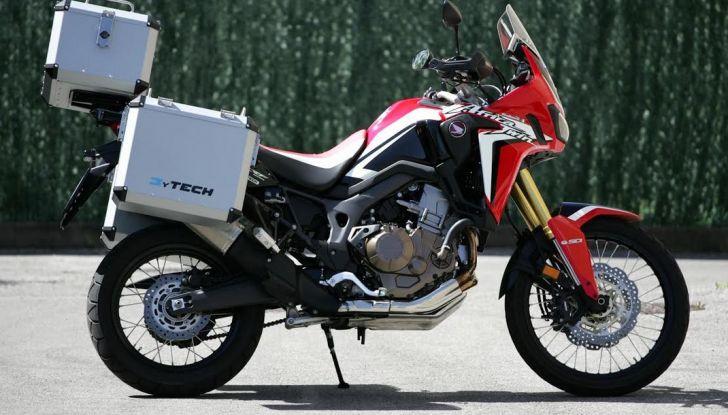 Honda Africa Twin: Valige, Top Case ed altri accessori - Foto 1 di 4
