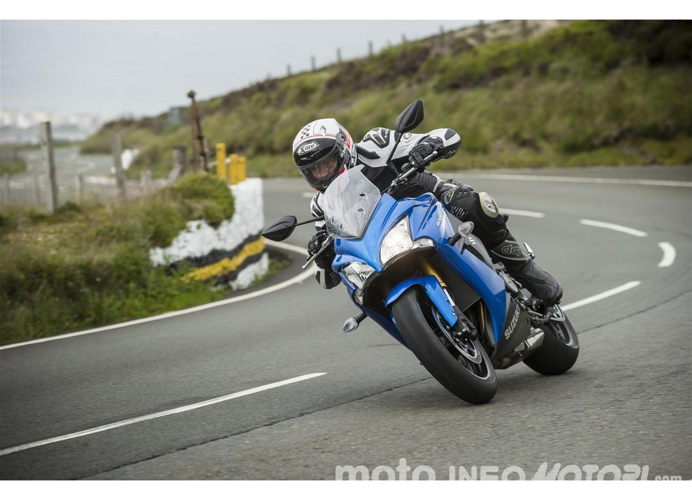 Disponibile il listino prezzi Suzuki 2016 per moto e scooter