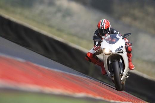 DRE – Ducati Riding Experience 2010 - Foto 2 di 8