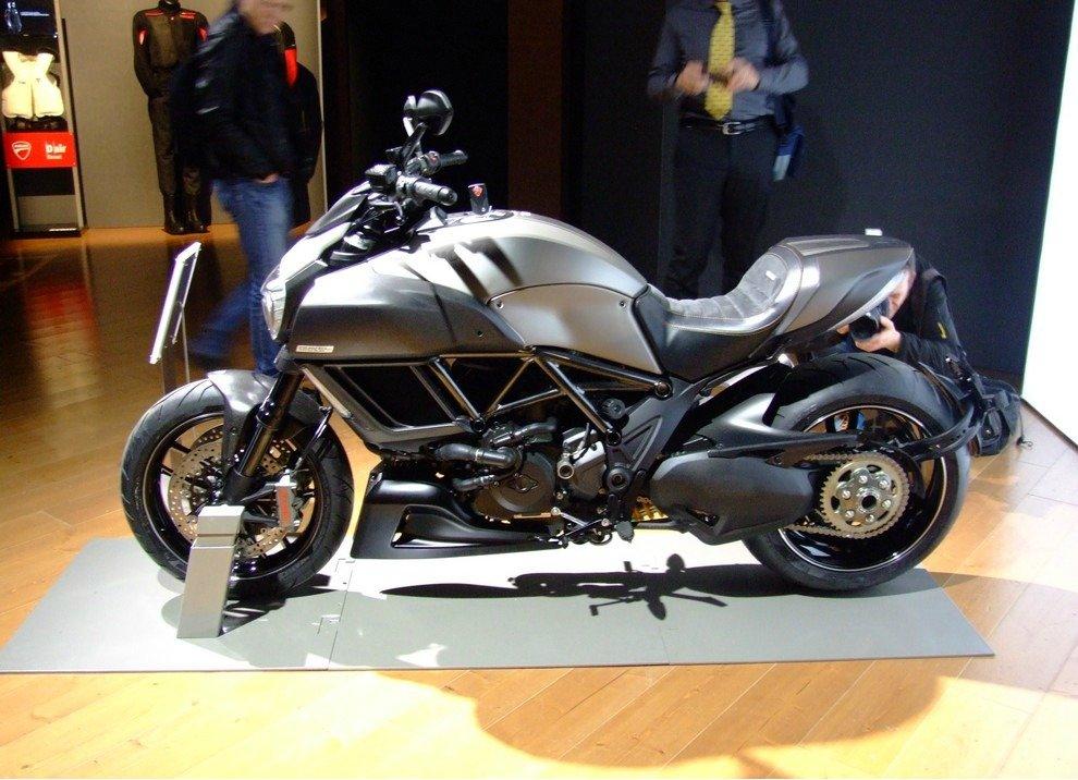 Ducati Diavel Titanium - Foto 2 di 10