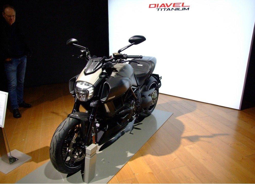 Ducati Diavel Titanium - Foto 3 di 10