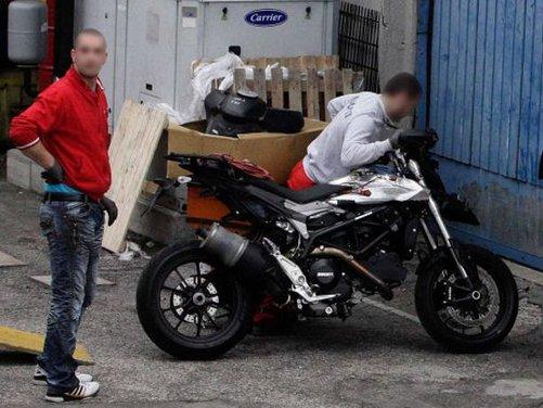 Ducati Hypermotard 848 prima foto spia