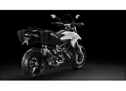 Ducati Hyperstrada, la nuova motard da turismo a 155 euro al mese - Foto 4 di 5