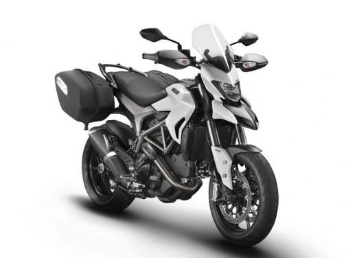 Ducati Hyperstrada, la nuova motard da turismo a 155 euro al mese