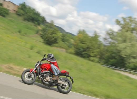 Ducati Monster 821 prova su strada, prezzi e prestazioni - Foto 5 di 10