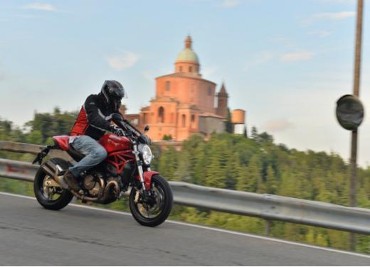 Ducati Monster 821 prova su strada, prezzi e prestazioni - Foto 8 di 10