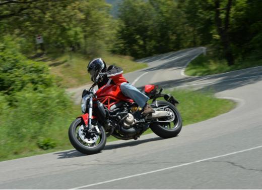 Ducati Monster 821 prova su strada, prezzi e prestazioni - Foto 10 di 10