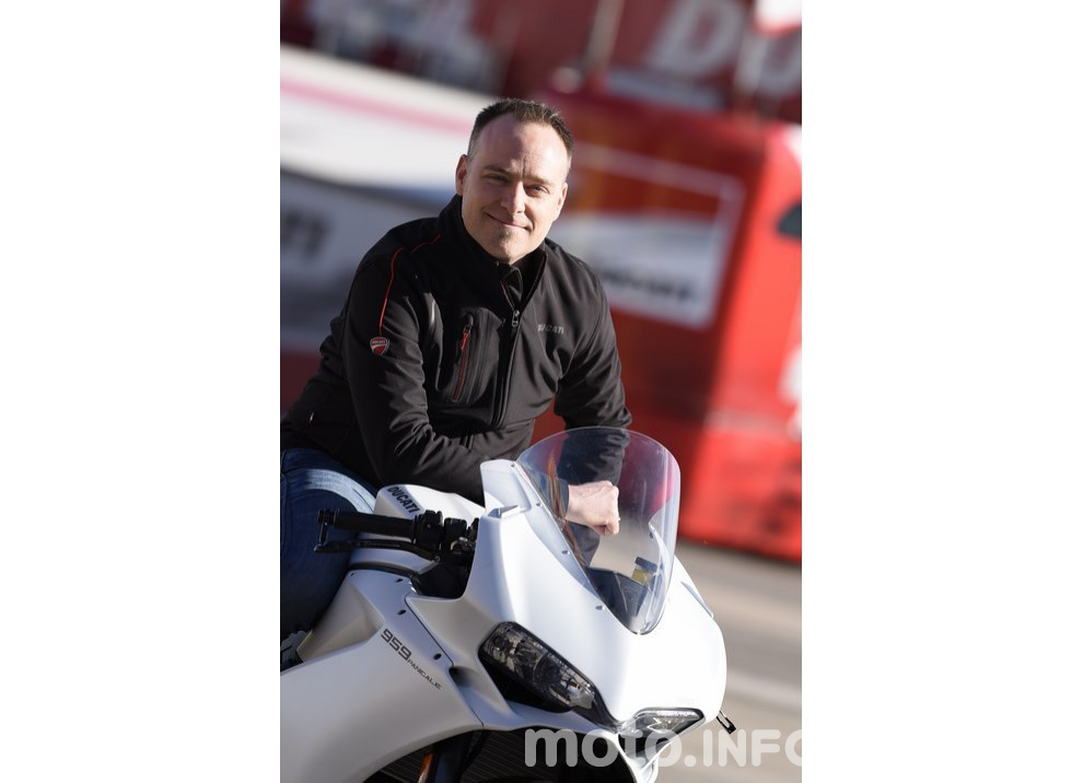 Ducati Panigale 959: l'OnBoard a Valencia con scarico sotto la carena - Foto 33 di 78