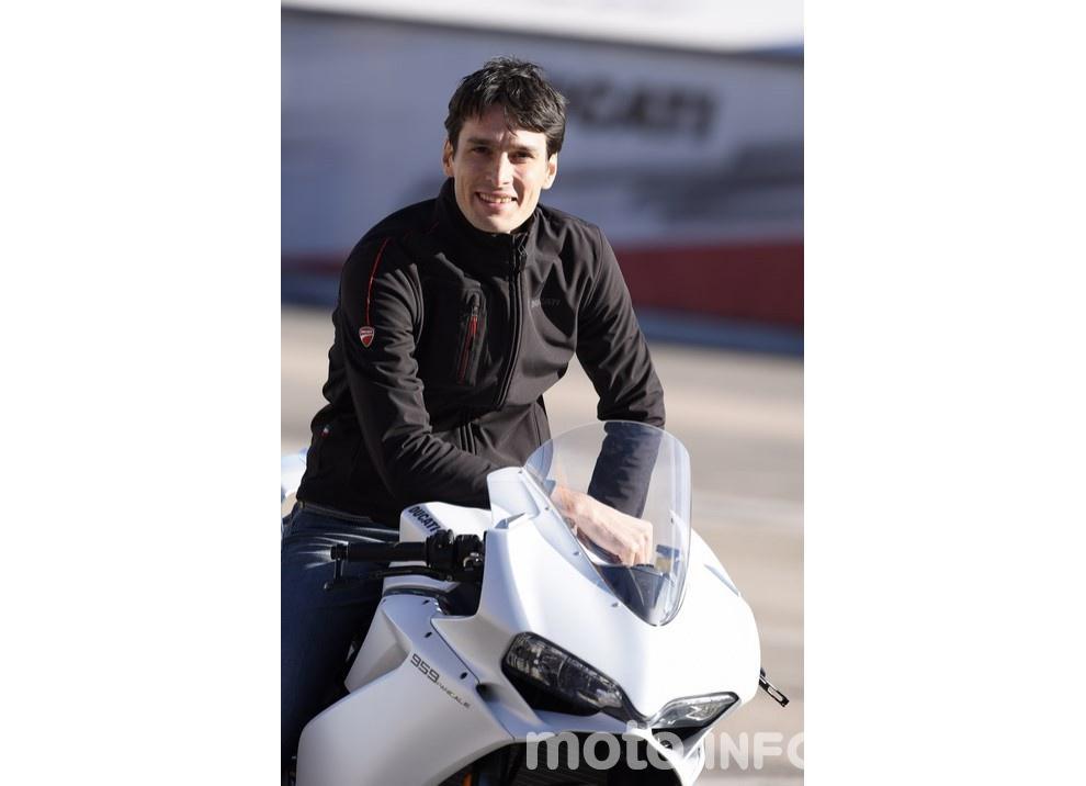 Ducati Panigale 959: l'OnBoard a Valencia con scarico sotto la carena - Foto 46 di 78