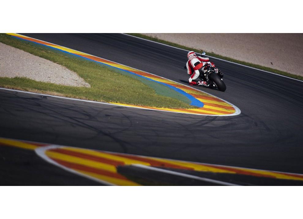 Ducati Panigale 959: l'OnBoard a Valencia con scarico sotto la carena - Foto 9 di 78