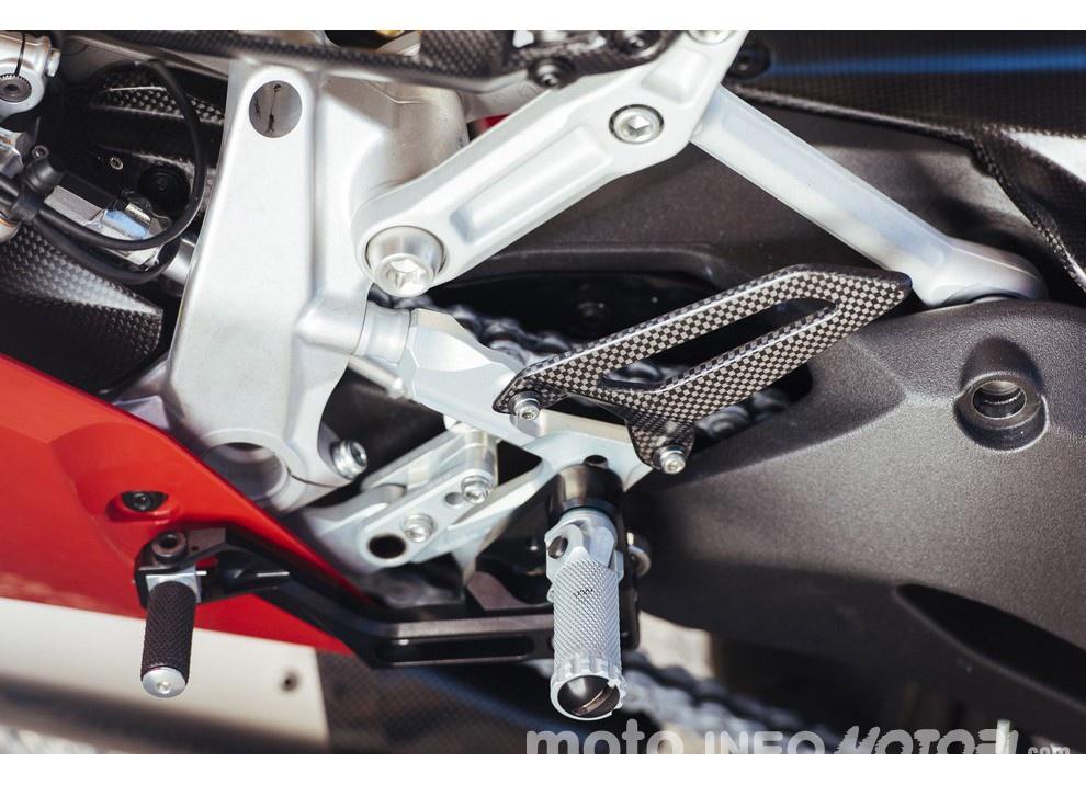 Ducati Panigale 959: l'OnBoard a Valencia con scarico sotto la carena - Foto 6 di 78