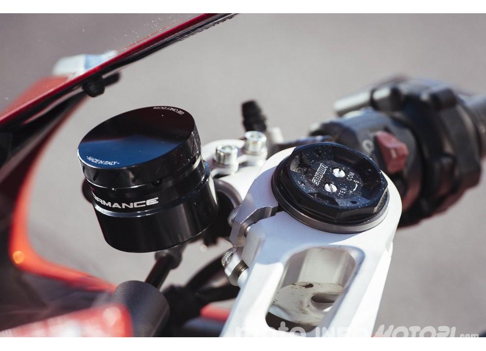 Ducati Panigale 959: l'OnBoard a Valencia con scarico sotto la carena - Foto 34 di 78