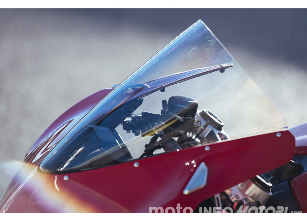 Ducati Panigale 959: l'OnBoard a Valencia con scarico sotto la carena - Foto 36 di 78