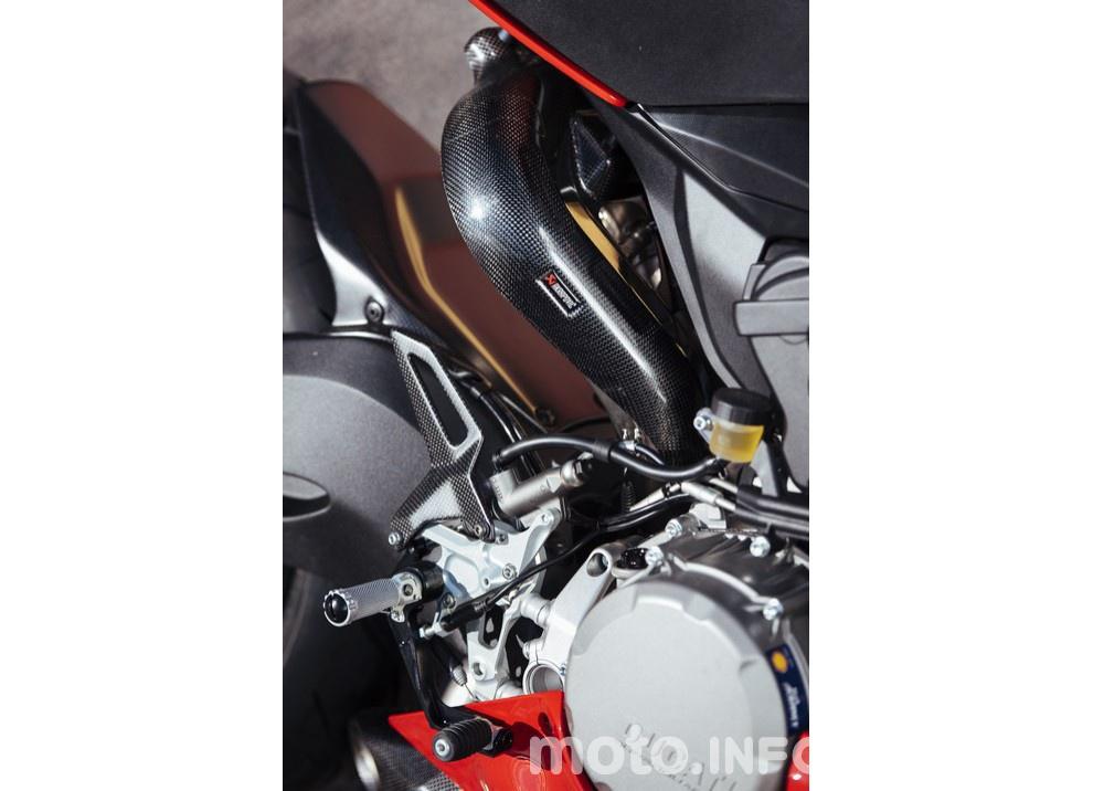 Ducati Panigale 959: l'OnBoard a Valencia con scarico sotto la carena - Foto 44 di 78