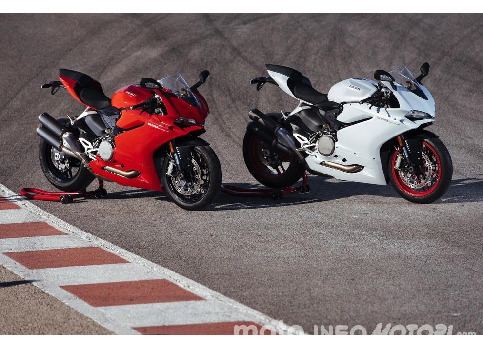 Ducati Panigale 959: l'OnBoard a Valencia con scarico sotto la carena - Foto 58 di 78