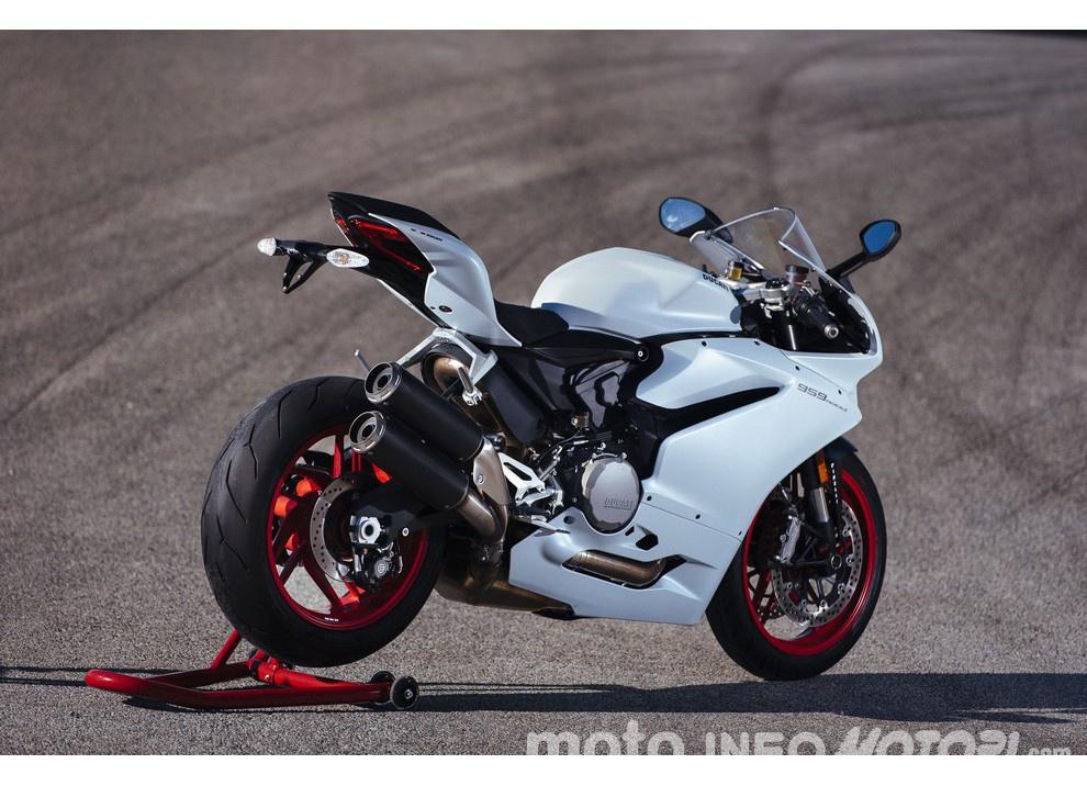 Ducati Panigale 959: l'OnBoard a Valencia con scarico sotto la carena - Foto 59 di 78