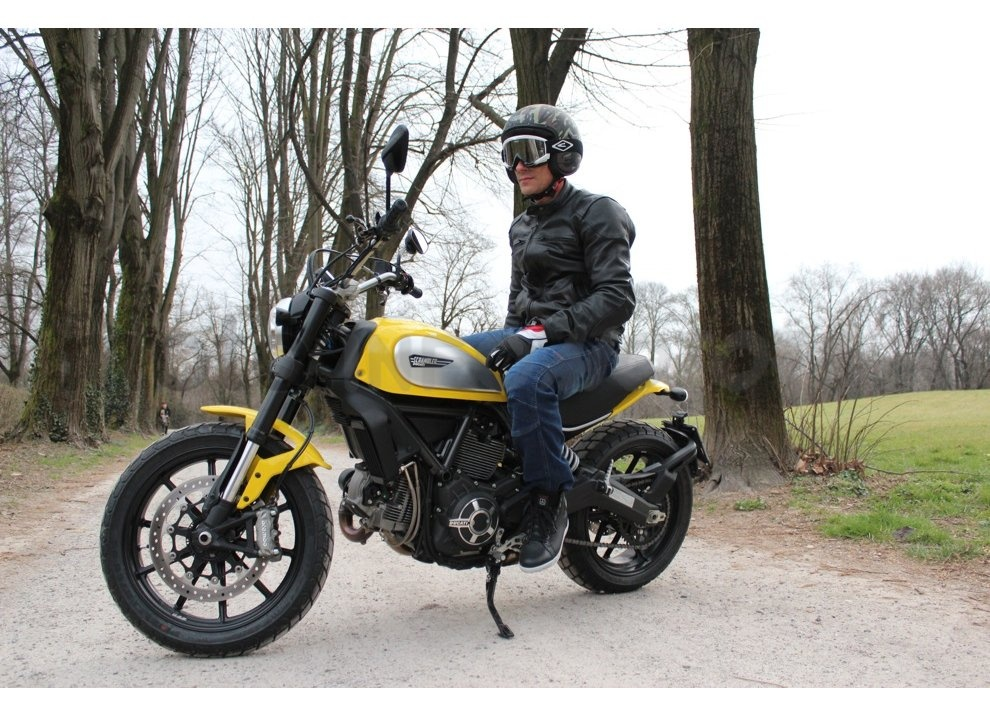 Ducati Scrambler: long test ride, prestazioni caratteristiche e prezzi - Foto 17 di 73