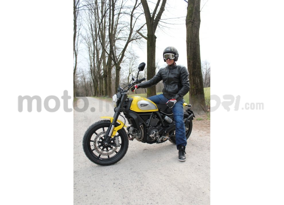 Ducati Scrambler: long test ride, prestazioni caratteristiche e prezzi - Foto 18 di 73
