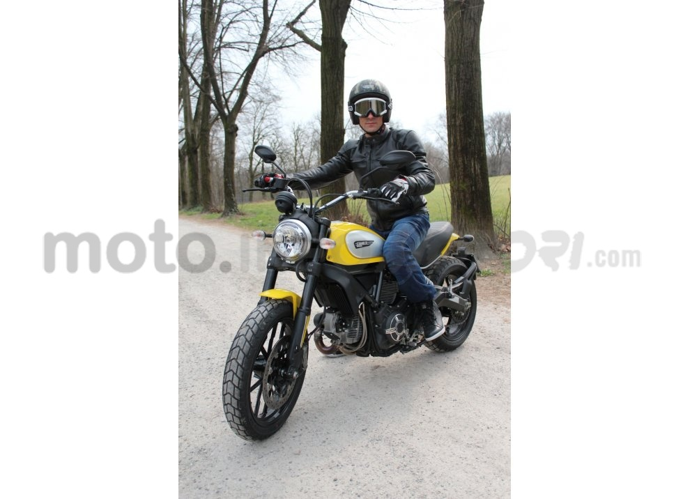 Ducati Scrambler: long test ride, prestazioni caratteristiche e prezzi - Foto 19 di 73
