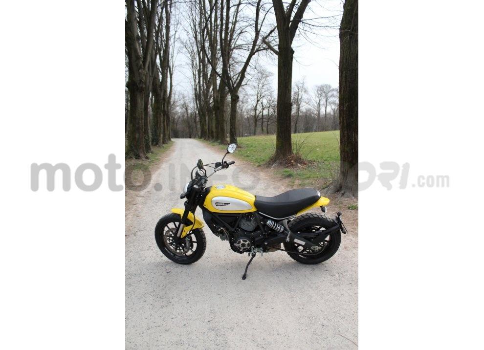 Ducati Scrambler: long test ride, prestazioni caratteristiche e prezzi - Foto 24 di 73