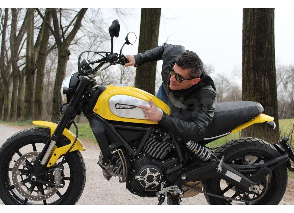 Ducati Scrambler: long test ride, prestazioni caratteristiche e prezzi - Foto 33 di 73