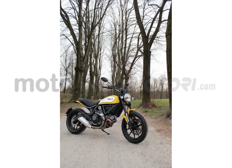 Ducati Scrambler: long test ride, prestazioni caratteristiche e prezzi - Foto 48 di 73