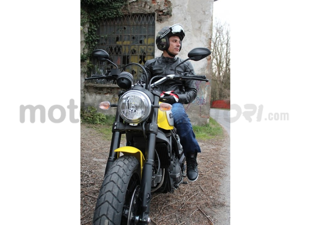 Ducati Scrambler: long test ride, prestazioni caratteristiche e prezzi - Foto 54 di 73