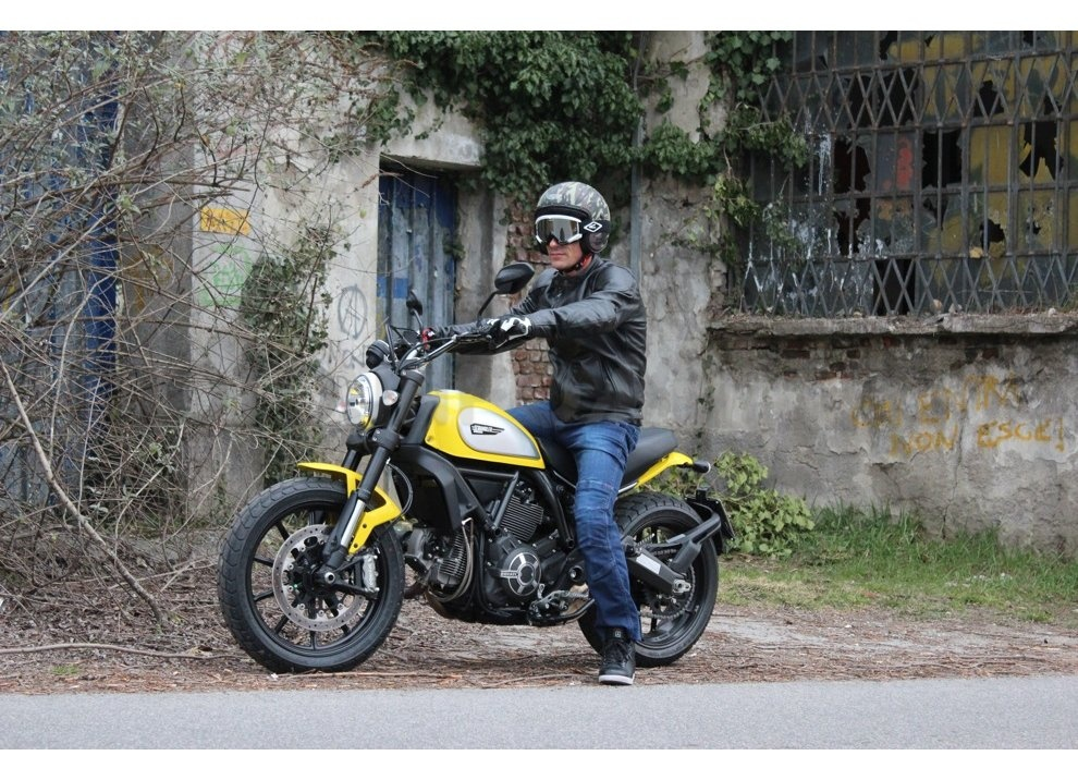 Ducati Scrambler: long test ride, prestazioni caratteristiche e prezzi - Foto 67 di 73