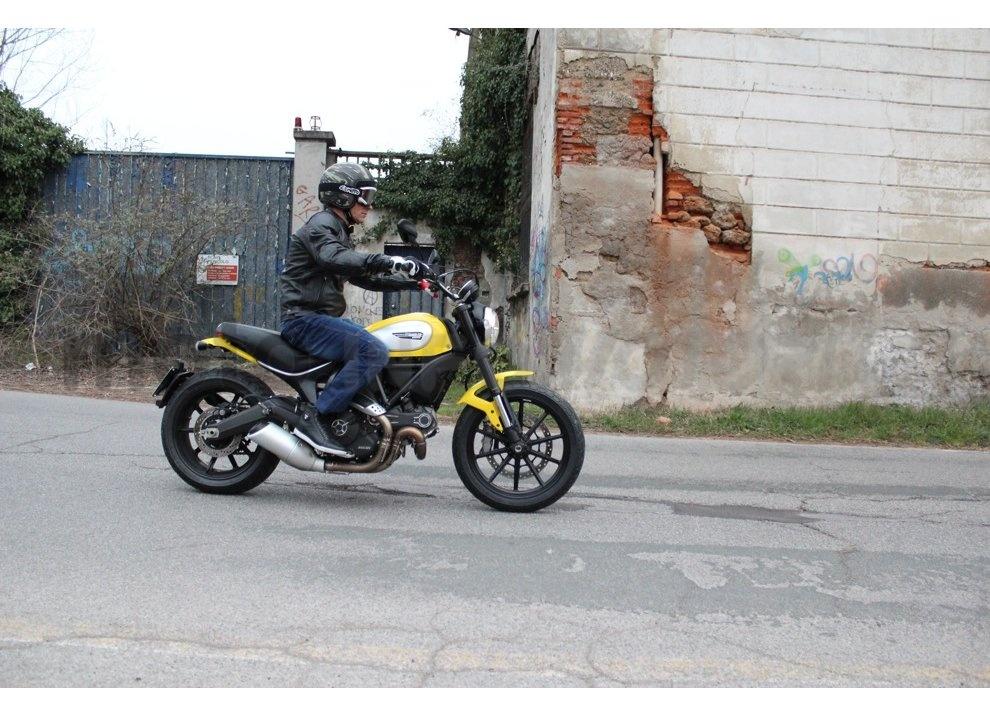 Ducati Scrambler: long test ride, prestazioni caratteristiche e prezzi - Foto 72 di 73