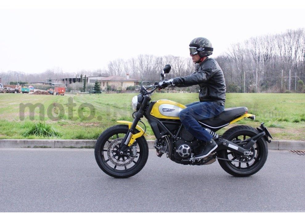 Ducati Scrambler: long test ride, prestazioni caratteristiche e prezzi - Foto 31 di 73
