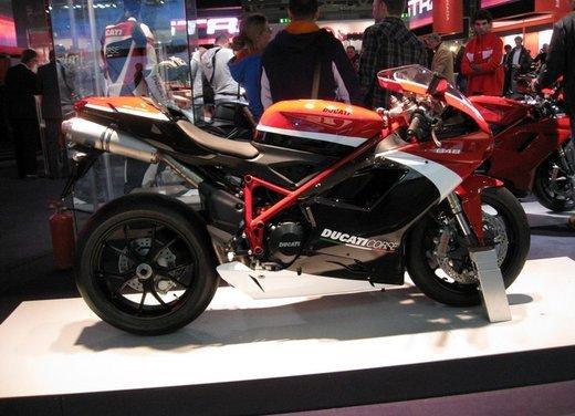 Salone Eicma 2011 ciclo moto e scooter di successo con mezzo milione di appassionati - Foto 12 di 23