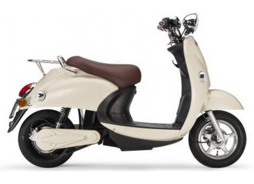 Ebretti, arriva in Italia lo scooter elettrico olandese - Foto 3 di 9