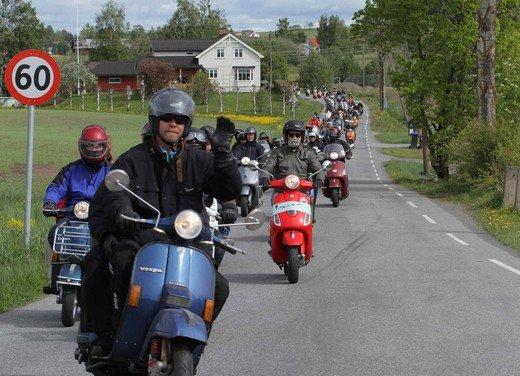Vespa World Days 2011: in Norvegia a migliaia per festeggiare i 65 anni di Vespa - Foto 7 di 20