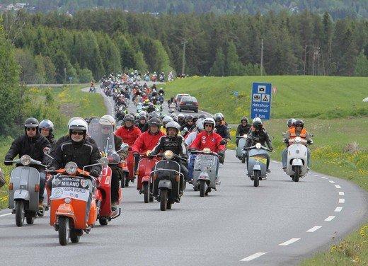 Vespa World Days 2011: in Norvegia a migliaia per festeggiare i 65 anni di Vespa - Foto 6 di 20