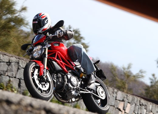 Ducati Monster 1100 Evo – Test Ride - Foto 2 di 27