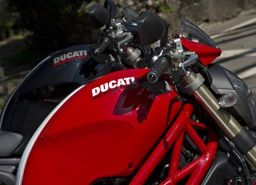 Ducati Monster 1100 Evo – Test Ride - Foto 10 di 27